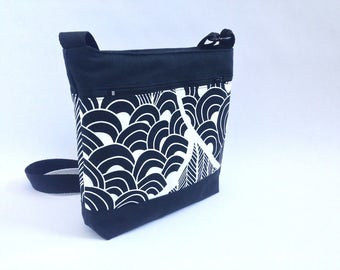 bolso, bolso tela, asa larga, bandolera, bolso blanco y negro, bolso bandolera, tela circulos, tela vintage, bolso acolchado, bolso forrado