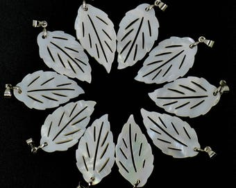 31mm 10pcs Carved Mother of Pearl MOP shell Leaf gemstone Pendant
