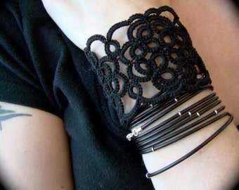 Tatted Cuff Bracelet - Lattice
