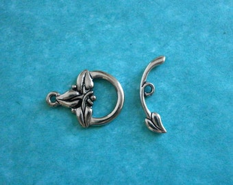 1 pc Silver TierraCast Three Leaf Toggle Clasp Antique Silver Pewter Clasp Woodland Clasp
