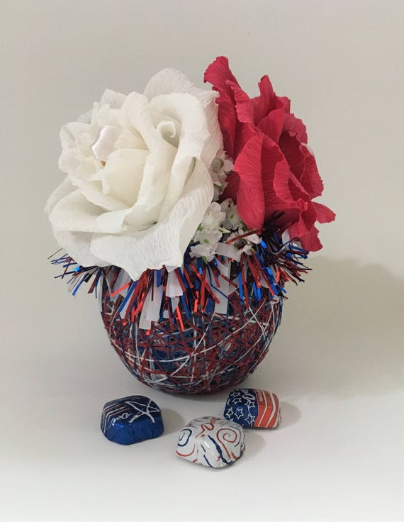 Patriotic Yarn Basket with Candy Paper Flowers Ferrero Rocher