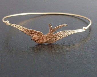 Sparrow Bracelet, Sparrow Jewelry, Bird Bracelet, Bird Jewelry, Bird Charm Bracelet, Nature Jewelry for Women, Bird Gift, Sparrow Bangle