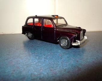 1960 CORGI #418 Austin London Taxi Cab Whizzwheels Diecast All Original