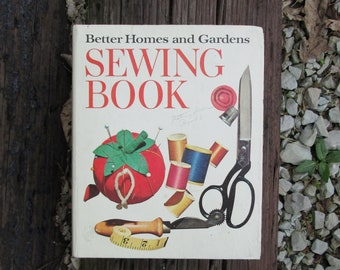 Sewing Book Better Homes and Gardens Vintage 1970 Binder Style Book