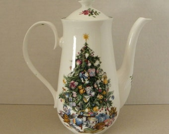 Rare and Hard to Find Elizabethan Seasons Greetings Christmas Coffee Pot