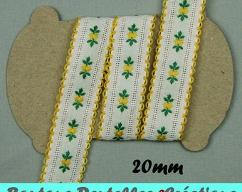 Braid - - white and yellow flowers - flowers - width 20 mm, 2.5 m