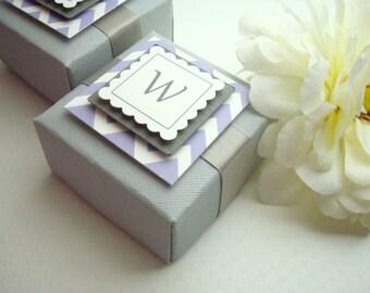 Boîtes faveur mariage personnalisé avec des étiquettes personnalisées de Chevron, la valeur de dix
