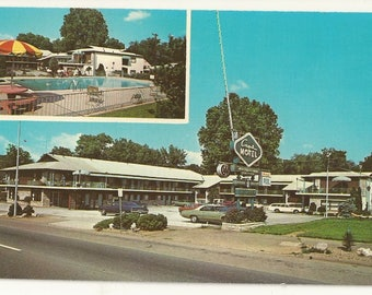 1970s Chrome Postcard- Roadside View of Capri Motel, Knoxville, Knox County, Tennessee, TN. ~ Free Shipping