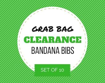 SOLDES sac - lot de 10 bavoirs Bandana ||| (bavette, bibdanna, bandana bébé, bavoir bandana bébé, bavoir pour bébé bave, cadeau de shower de bébé)