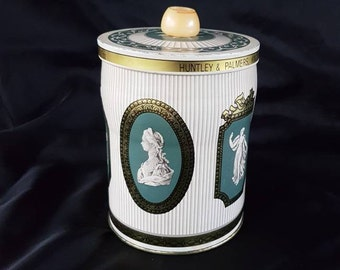 Vintage 1970s Huntley and Palmer wedgwood biscuit tin