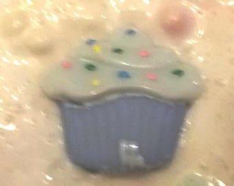 Cupcake icing slime