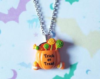 Trick or treat necklace, Pumpkin necklace, Halloween necklace, Trick or treat, Pumpkin, Halloween candy, Candy, Candy bag, Halloween, Kawaii