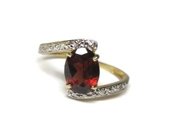 Dainty Vintage 10K Garnet Ring Size 7 1/2