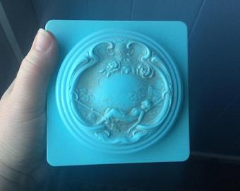 vintage Evyan powder box
