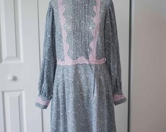 1970s Prairie Dress || Vintage Boho || Paisley Dress