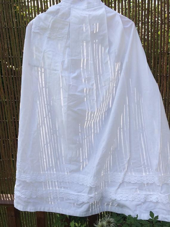 30's maids apron. Lace edging. 39 ins long. Ties. Cotton