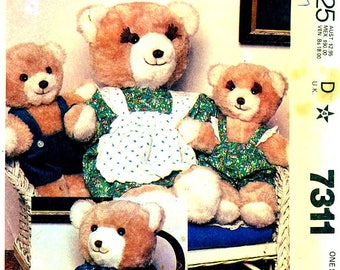 McCall's 7311 BEAR FAMILY & WARDROBE Mama Papa Baby Boy Girl Stuffed Toys ©1980