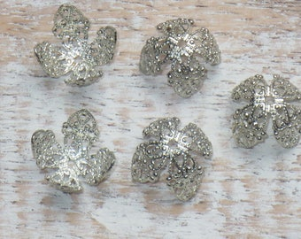 Silver Filigree Petal Bead Caps- Vintage Style Bead Caps 14mm 20pcs