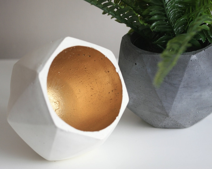 Large Faceted Concrete Decorative Bowl | Planter | Candleholder | Display | Urban | Industrial