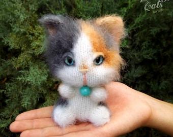 Tortoiseshell Cat, Calico Cat, Stuff Knit Soft Toy, Cute Plushie, Cat Lover Gift, Maneki Neko, Lucky Cat, Crazy Cat Lady Stuff