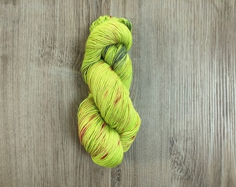Simca - Hand dyed yarn, Superwashed  Extra Fine 100%  Merino wool, skein 100gram/400m