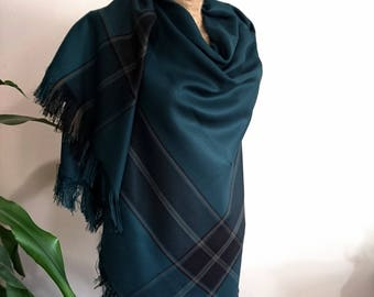 Blanket scarf, green blanket scarf, plaid blanket scarf, oversized scarf, blanket scarves, wedding scarf, oversize scarf