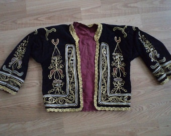 "free shipping  VINTAGE embroidered velvet jacket  SİZE =  55"" X 21"" ( 138 cm X 53 cm)"