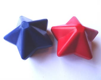 2 Star Crayons - -  Red and Blue - Novelty Crayons - RECYCLED