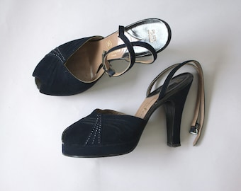 vintage 1940s platform heels / 40s navy suede heels / 1940s peep toe ankle strap pumps / 40s studded pinup shoes / 40s John Marino heels / 7