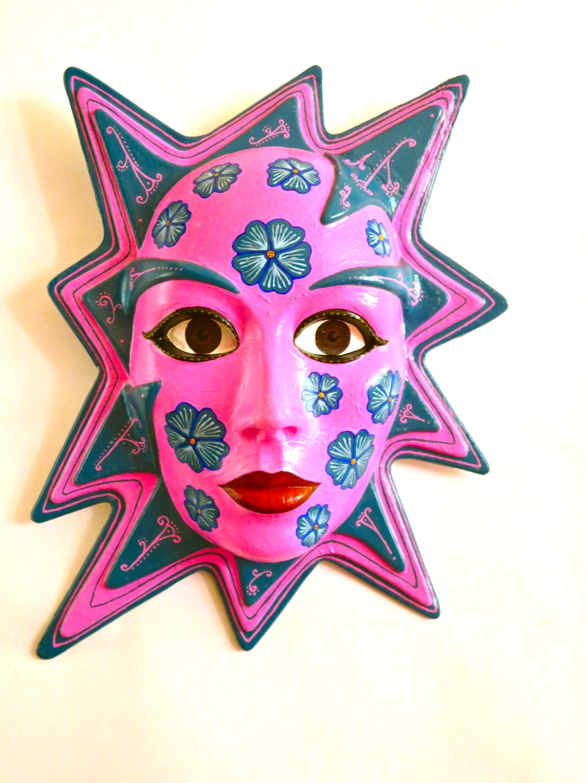 Masque De Decoration Mural