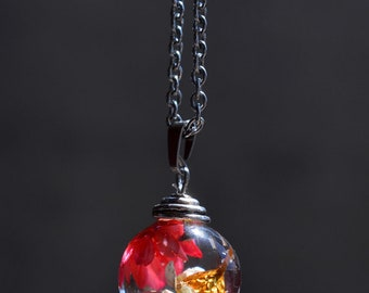 Resin pendant necklace, sphere resin and real dried flowers, terrarium, bubble of resin jewelry, resin flowers