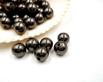 50 Gunmetal Round Spacer Beads - 24-31