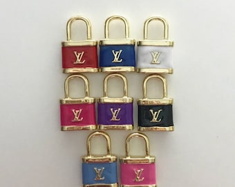 Alloy lock charm