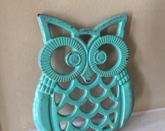 ON SALE, SPRING Sale Owl Trivet/ Cast Iron Owl Trivet/ Distressed Trivet/ Shabby Chic Decor