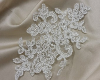 Ivory Lace applique, Ivory lace, French Chantilly lace applique, 3D lace, bridal applique, Applique M0004