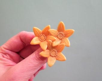 Celluloid Flower Brooch - Celluloid Daffodil Brooch - Vintage Celluloid Brooch - Yellow Brooch - 1950s Daffodil Brooch - Early Plastic
