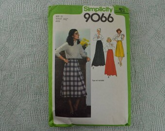 Simplicity Sewing Pattern 9066 skirt from 1979 size 12