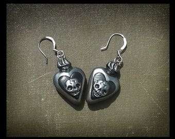 Gothic Earrings Skull Earrings Flaming Heart Jewelry Momento Mori Jewelry Black Earrings Ex Voto Heart Halloween Jewellery Gothic Gift