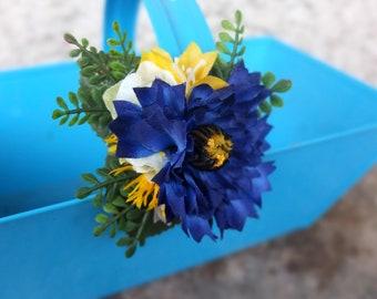 hair clip with blue cornflower