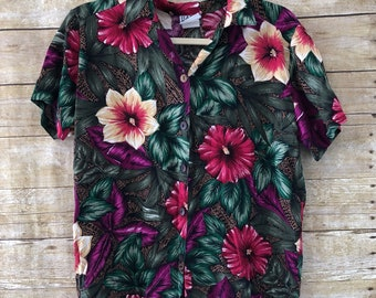 Beautiful Womens Hawaiian Shirt, Soft Floral Shirt, hawaiian shirts, Vintage Hawaiian shirt, Medium, Large