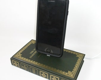 IPhone 5, 6, 7  Charging Dock, Charles Dickens Old Curiosity Shop, Docking Charger Station