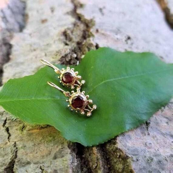 Vintage estate 14k gold garnet pierced earrings, garnet earrings, bead work