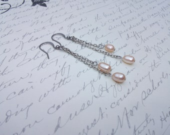 Freshwater peach pearl chain earrings