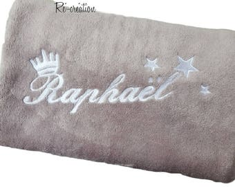 Fleece plaid pattern, embroidered, Crown 3 star / name