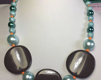 Necklace brown and green Mint
