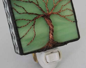 Green Stained glass Nightlight w/ wire tree