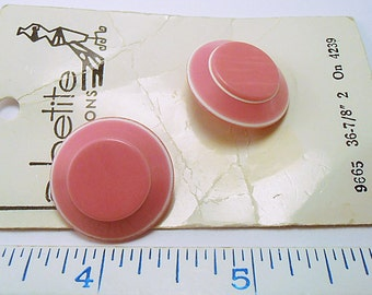 """2 size 36 (7/8"""") Vintage Buttons - Pink and White Vintage Buttons on La Petite Cards (b92415)"""
