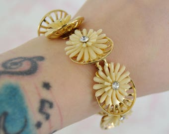 Vintage Bracelet with Cream Plastic Flower Petals and Clear Rhinestones