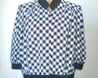 Vintage pied-de-poule silk blouse; 80s black and white blouse; pleated blouse; 3 quarter slveeves blouse.