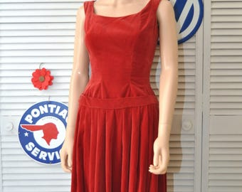 Vintage Dress 60s does 20s Womens Teen Mod Flapper Style Drop Waist Pleated Skirt Suzy Prette NY Ruby Red Velveteen XS Semi-formal Costume